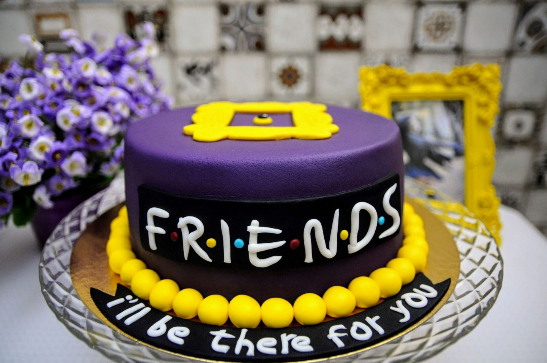 Friends trivia games - Friends birthday cake