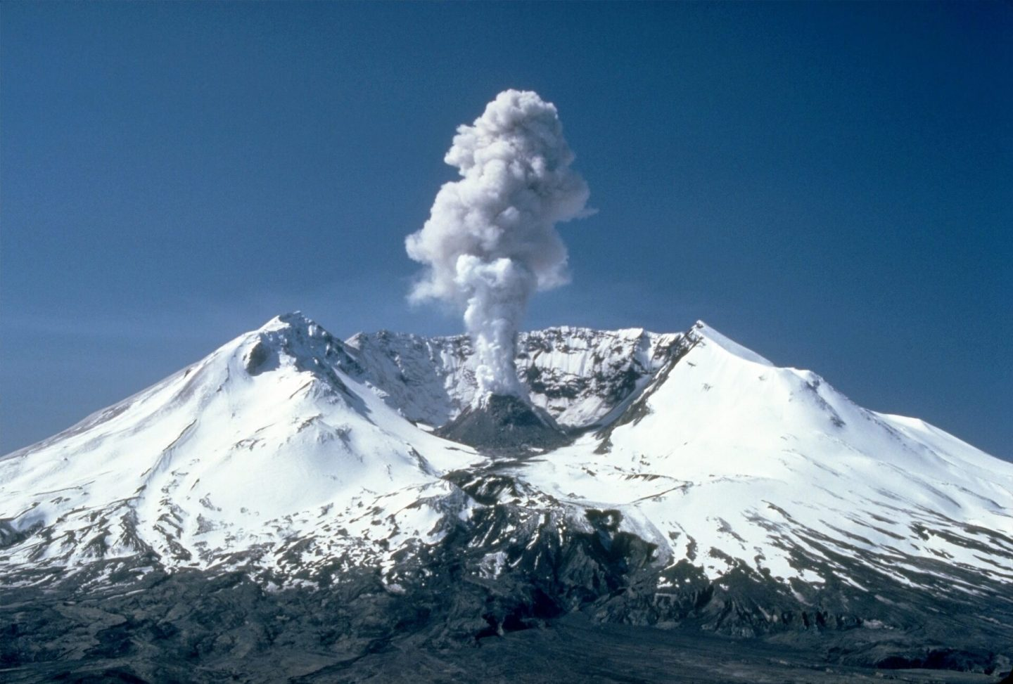 World geography questions and answers - Volcano