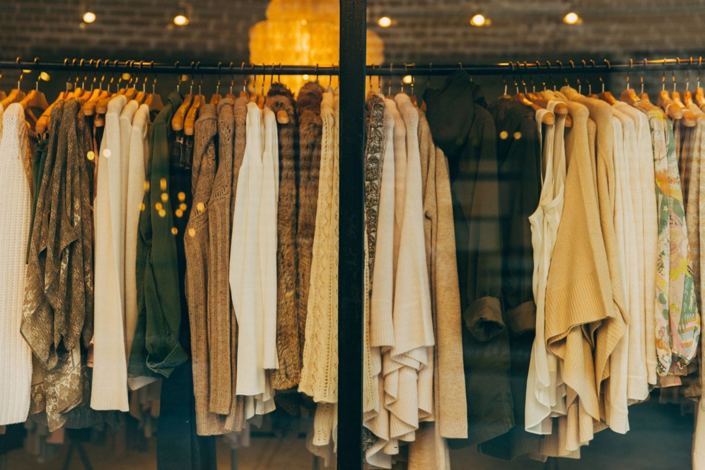 Multiple choice fashion quiz - clothing rail